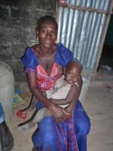 de nombreux jeunes enfants dans le village